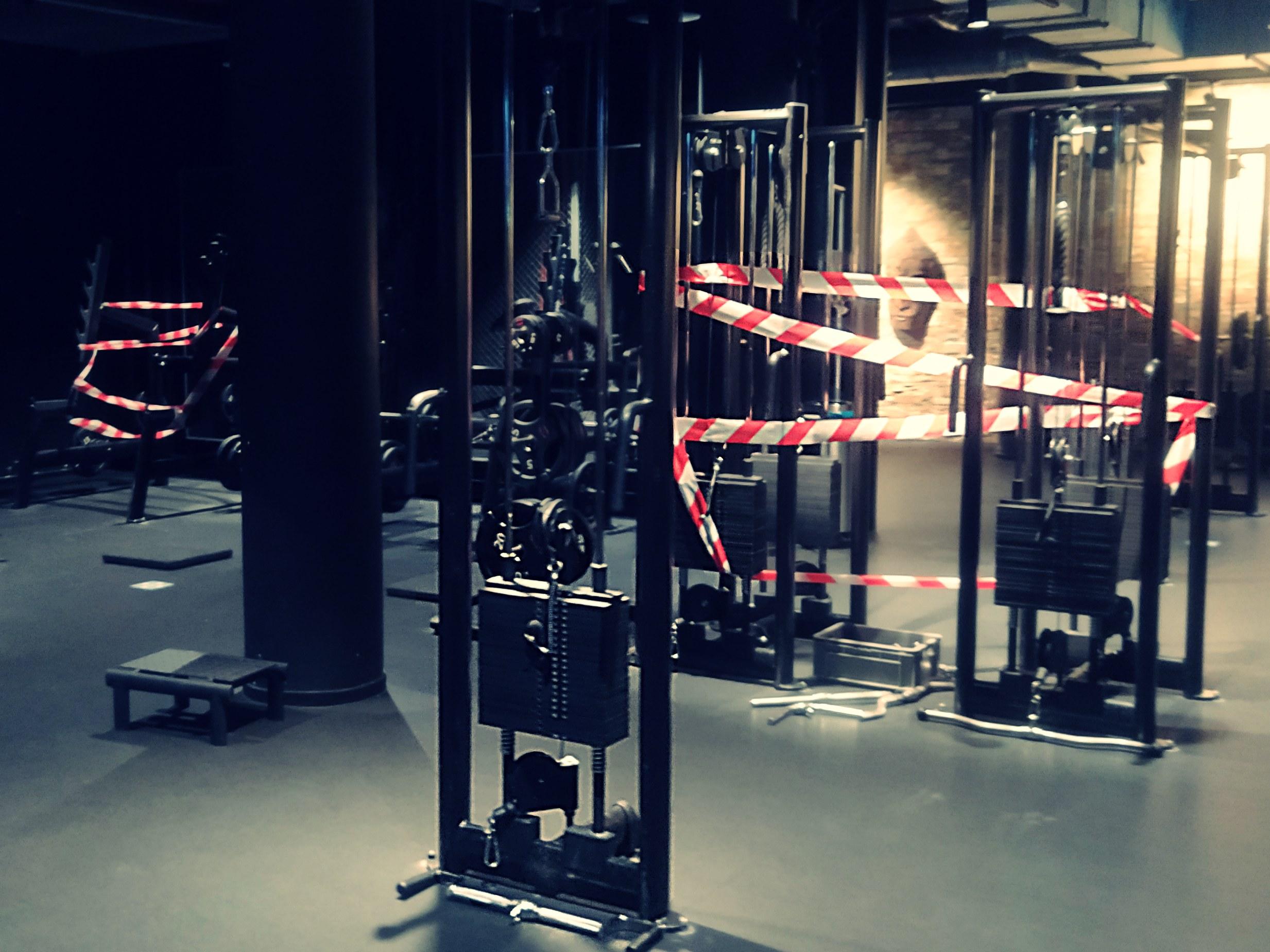 Dlaczego siłownie są zamknięte?